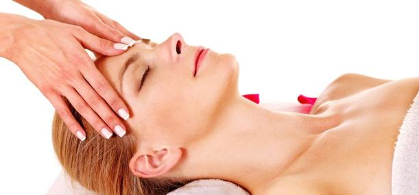 7-Simple-Steps-To-Do-A-Facial-Massage-At-Home.jpg