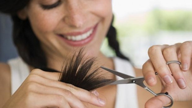 header_image_How-to-trim-your-hair-at-home-fustanybeauty-hair-main-image