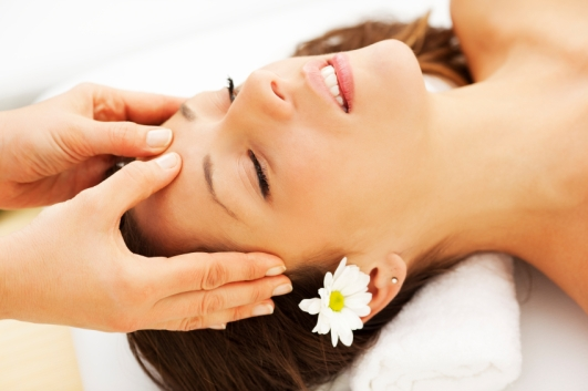 Indian-Head-Massage-flowers