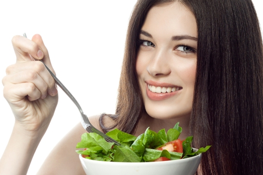 Foods-that-Make-Your-Hair-Grow-Long-and-Strong-greens