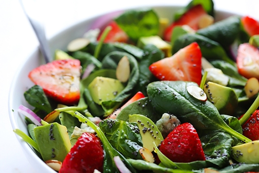 strawberry-and-avocado-spinach-salad-6